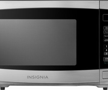 Insignia Stainless steel Microwave on sale for $59.99